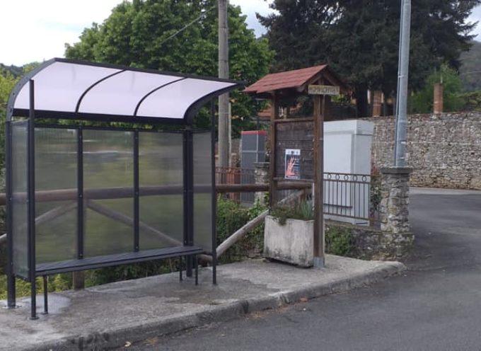 PESCAGLIA – Installata anche la nuova pensilina a Loppeglia!