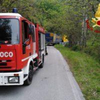 PESCIA – Scuolabus bloccato, studenti trasferiti dai vigili del fuoco