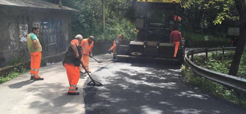 A Corsagna proseguono tre importanti cantieri: asfalti lungo la strada di collegamento,