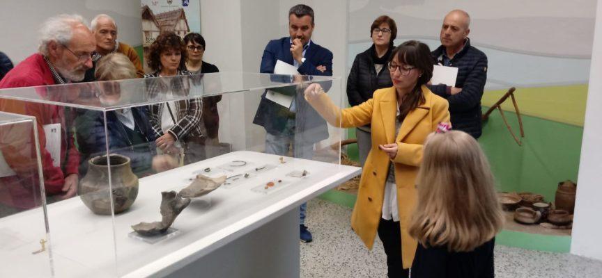 Tanta gente sabato scorso in Biblioteca in occasione della presentazione del libro 'Porcari nel Cinquecento: