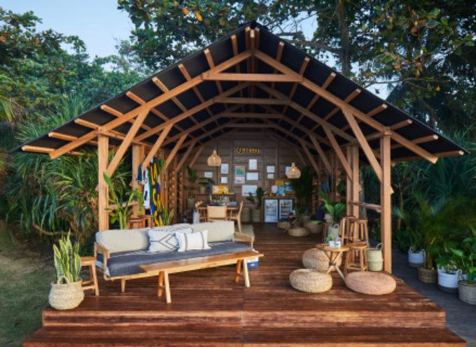Corona e Parley for the Oceans stringono una partnership con Stephanie Gilmore, Gabriel Medina e vari artisti a sostegno del divieto di usare oggetti in plastica monouso a Bali e offrire alle persone alternative riutilizzabili