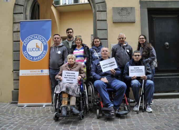 incontro amministrazione comunale e Luccasenzabarriere