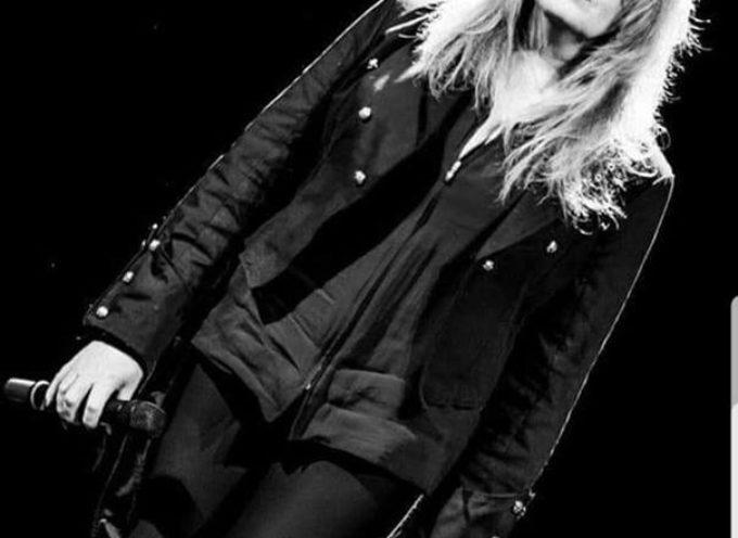 """La cantante lucchese Francesca Magnelli in arte """"Frances"""" in questi ultimi tre mesi è salita agli onori della ribalta musicale,"""
