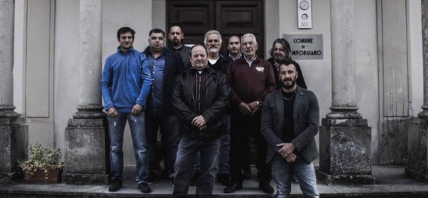 """Camporgiano, Massimo Puppa e la sua lista di candidati  """" DIVERGENTI"""" presentano agli elettori il programma della sua candidatura a Sindaco."""