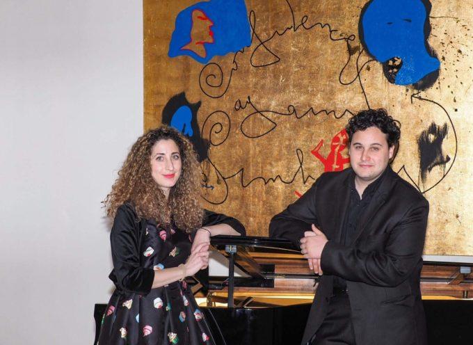 """VILLA BERTELLI – """"Omaggio alla canzone italiana"""" Concerto per voce e pianoforte con Riccardo Lio e Maria Giulia Lari"""