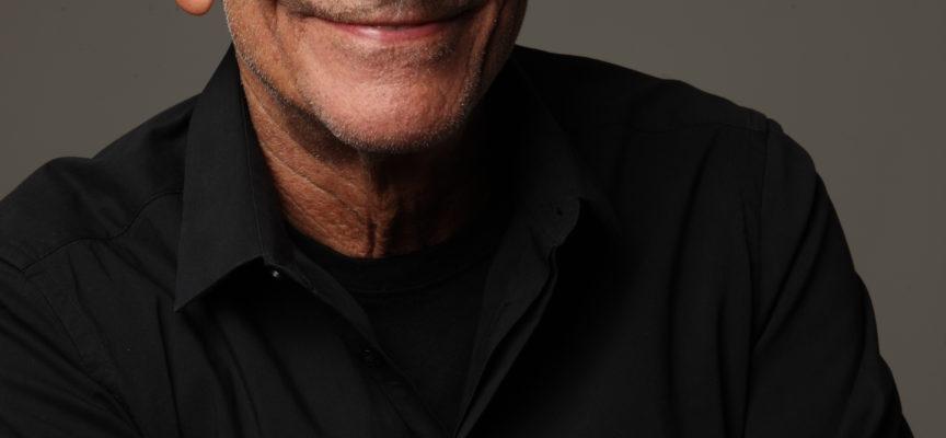 """VILLA BERTELLI – L'intramontabile magia di Roberto Vecchioni con il tour """"L'Infinito"""""""