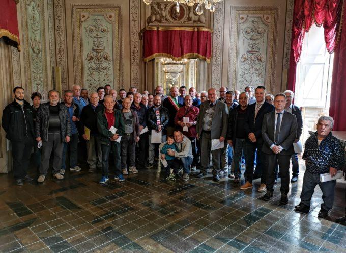 Consegnato il contributo alle 42 associazioni che si prendono cura dei 72 cimiteri del Comune di Lucca