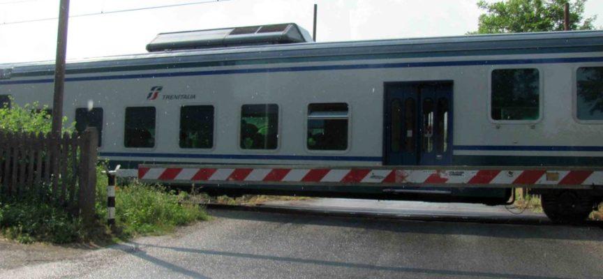 Ripafratta: uomo investito dal treno al passaggio a livello
