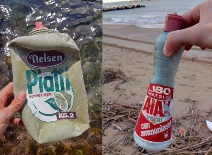 Eterna plastica: dal mare spuntano flaconi di detersivo vecchi fino a 40 anni