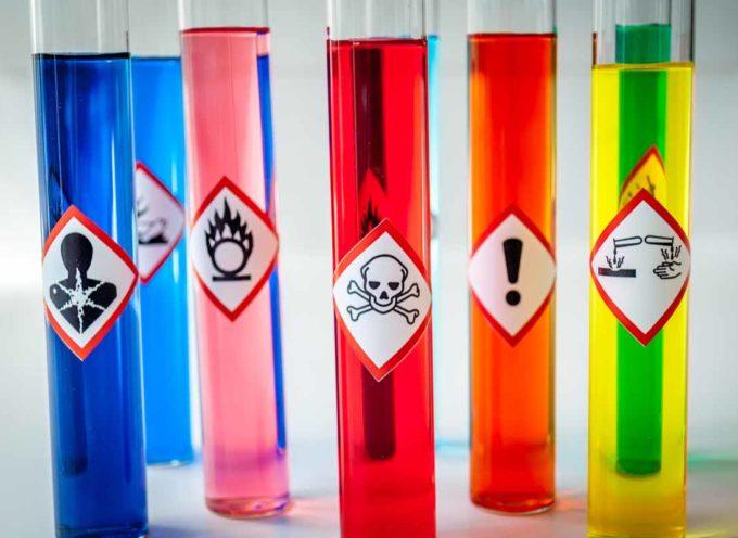 654 aziende stanno usando milioni di tonnellate di sostanze chimiche fuori legge