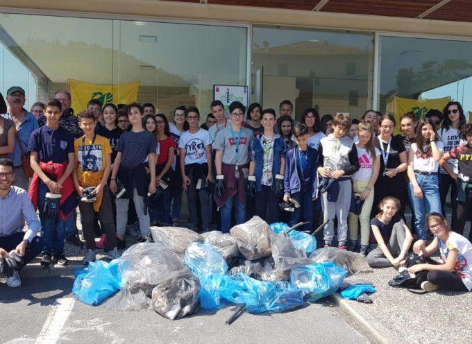 PORCARI  – Proviamo ad educare i nostri ragazzi al senso civico e al rispetto dell'ambiente.
