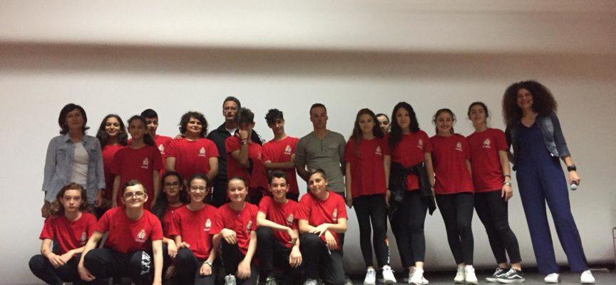 Una bella giornata di sport e solidarietà al Teatro Giacomo Puccini Altopascio, con l'atleta Andrea Lanfri