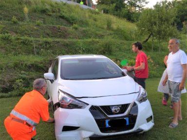 TRAGEDIA SFIORATA IN GARFAGNANA: VOLANO CON L'AUTO ACCANTO ALLA PISCINA