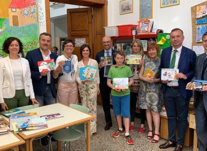 60 libri per la CAA grazie ad una dotazione del Rotary Montecarlo Piana di Lucca