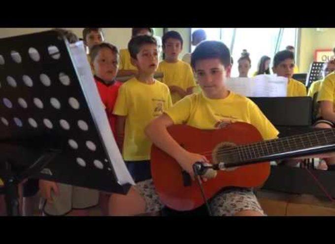 Coro e orchestra già alle elementari: il caso a Piano del Quercione