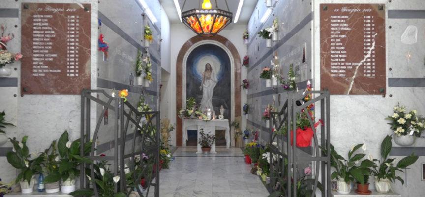Choc al cimitero di Viareggio: saccheggiate le tombe delle vittime del 29 giugno
