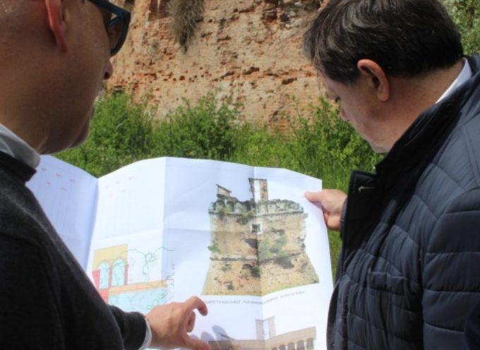 PIETRASANTA – Beni Culturali: al via il recupero Torre Beltrame, sindaco visita cantiere