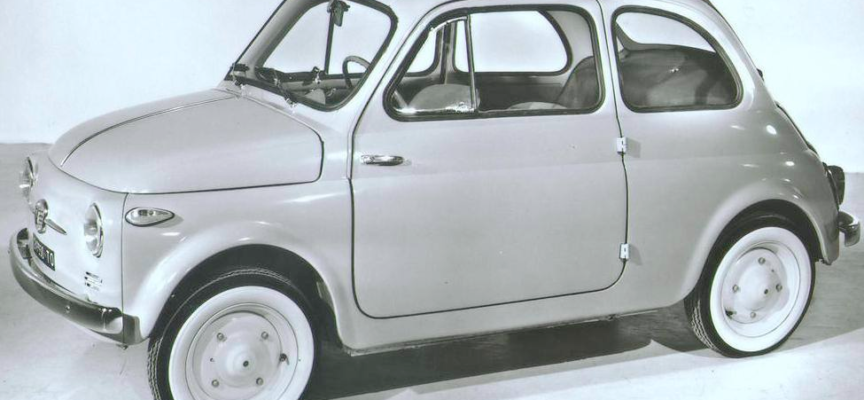 #accaddeoggi 2 luglio 1957. Al Circolo Sporting di Torino viene presentata ufficialmente la prima Fiat 500.