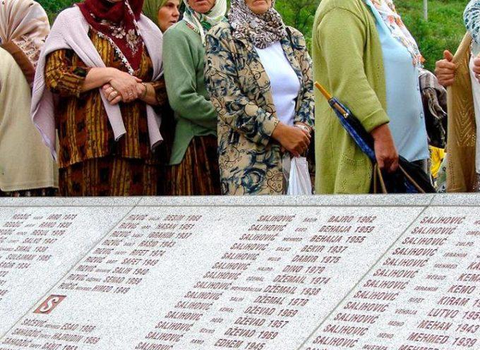 accaddeoggi Il 6 luglio 1995 Il generale serbo Ratko Mladić, oggi incarcerato come criminale di guerra, dà il via all'attacco della città bosniaca di Srebrenica