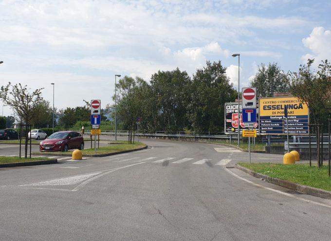 PORCARI – Completata la posa della segnaletica orizzontale e verticale per avvisare gli automobilisti della mini rivoluzione a traffico e sosta in via Boccherini,