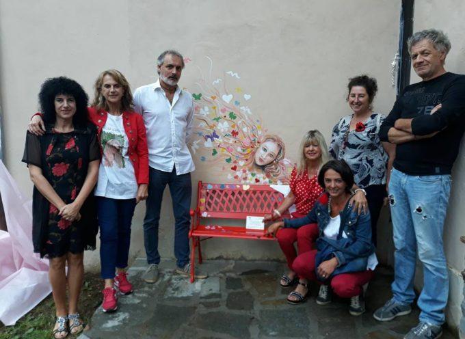 ieri a Giuncugnano inaugurata la 75esima panchina rossa.