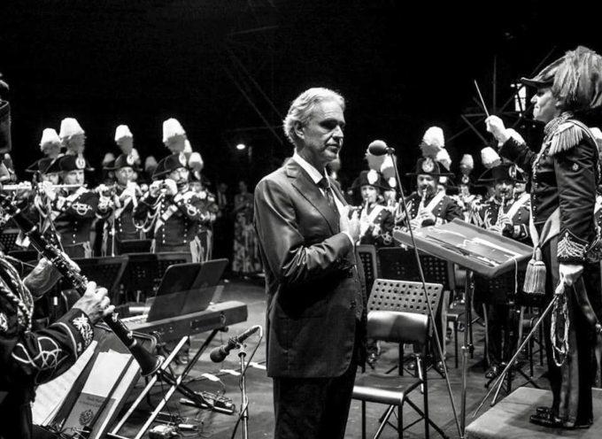 Villa Bertelli, Forte dei Marmi- Strepitoso successo per il Concerto dell'Arma dei Carabinieri con Andrea Bocelli