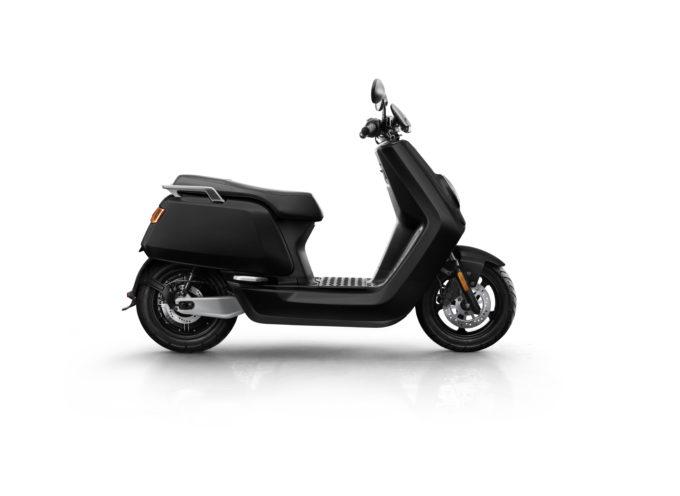 Fotovoltaico Semplice distribuisce scooter elettrici Niu