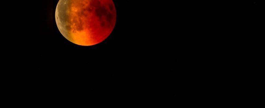 16 Luglio: la Magia dell'Eclissi di Luna