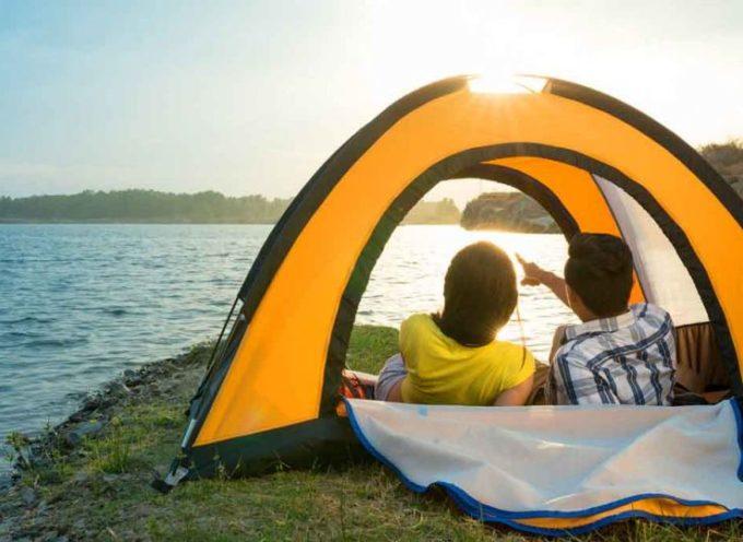Estate in tenda: i consigli per una vacanza nella natura