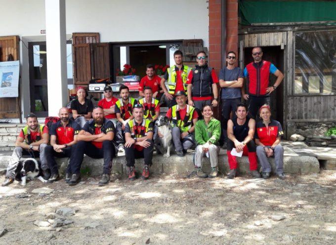 Sabato scorso sulle Alpi Apuane, in zona Campocecina (Ms), si è tenuta un'esercitazione di Stazione con l'ausilio delle unità cinofile del servizio regionale del Soccorso Alpino Toscano.