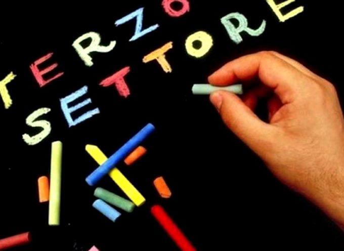 Lucca, 20mila euro su 4 progetti per avvicinare i giovani al mondo del Terzo settore