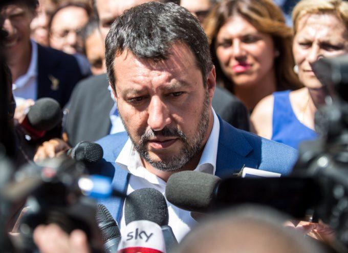 Sondaggi, gli italiani puniscono Salvini per la caduta del Governo
