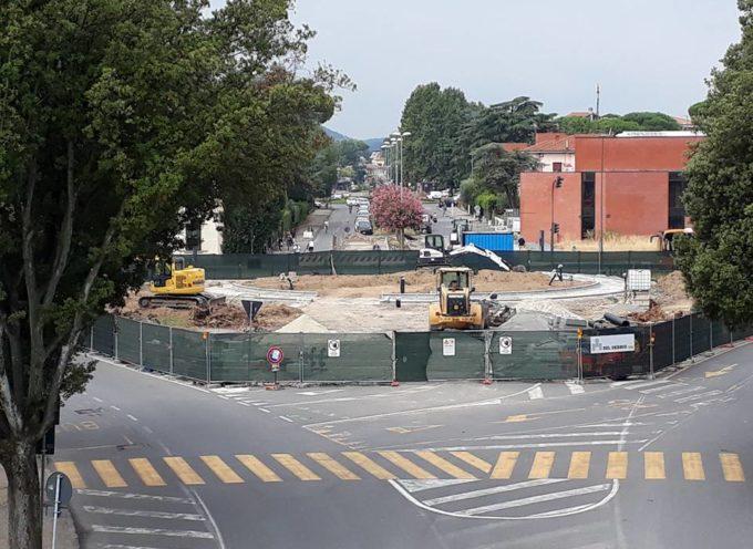 """Martedì 3 settembre dalle 9 alle 20 chiusura di una porzione della rotatoria di piazzale Boccherini per il posizionamento del nuovo monumento """"Oltre le Radici"""""""