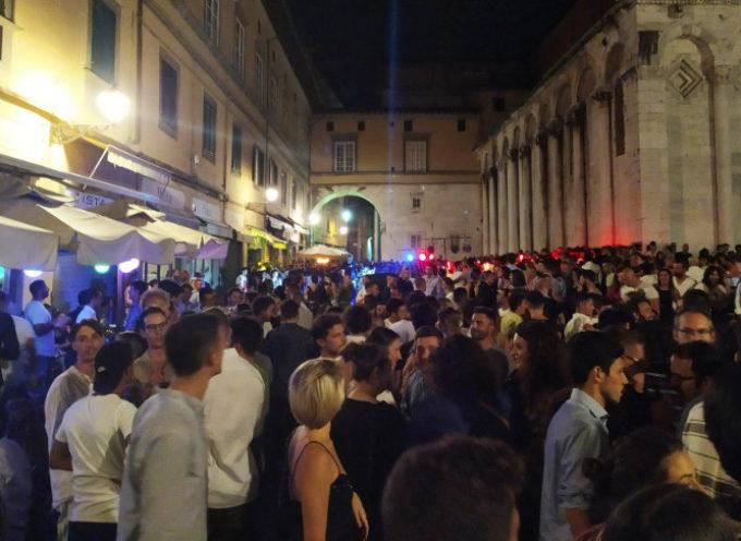 La Notte Bianca fa scintille; migliaia in centro storico a Lucca