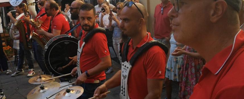 """Migliaia di persone a """"Barga in Jazz"""" nel centro storico"""