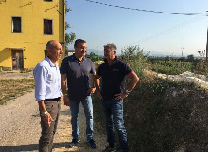 PORCARI – Apre il cantiere in Corte Andreotti, un muro di cemento armato a protezione dei residenti