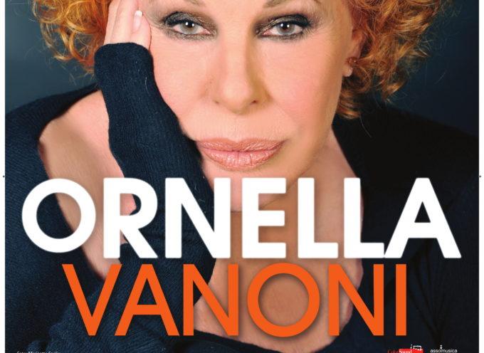 per la prima volta in concerto a Villa Bertelli a Forte dei Marmi – ORNELLA VANONI