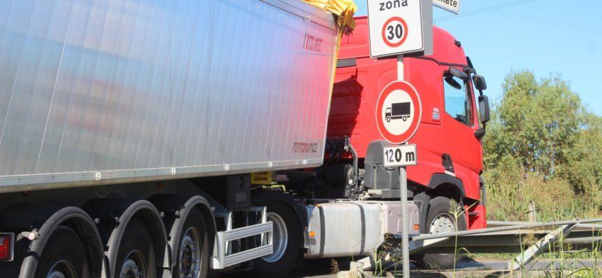 Frazioni: Pollino-Traversagna, 20 nuovi punti luce e stop al transito autocarri pesanti (anche di Ersu)