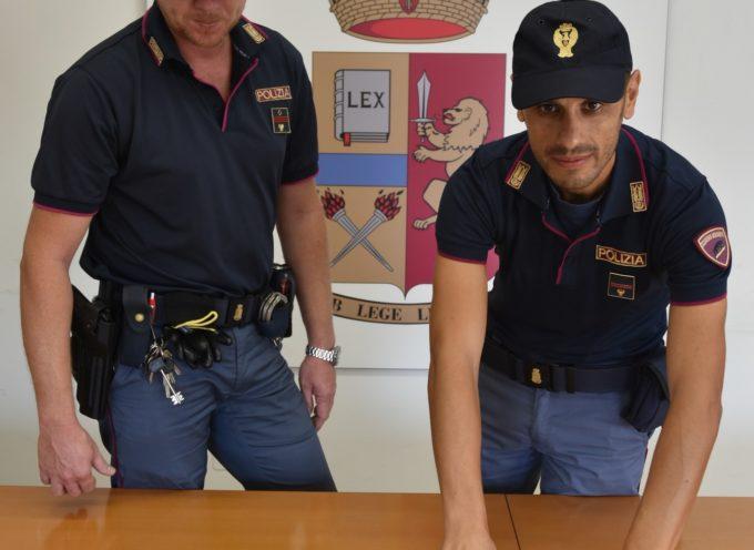 Viareggio – Arrestato 42enne marocchino: oltre un etto di droga nel cappello.