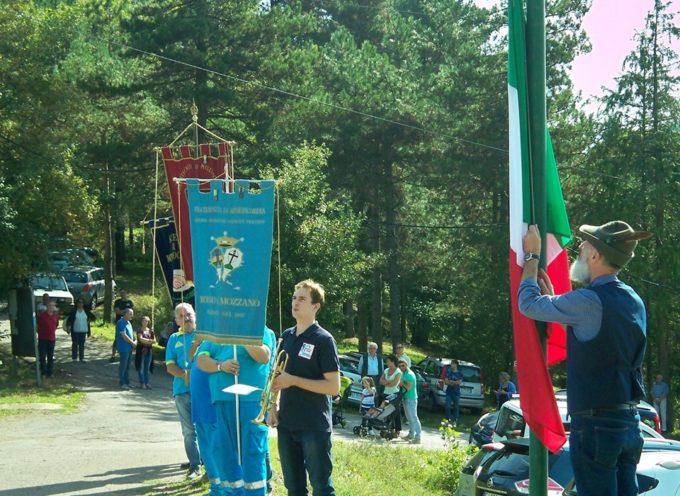 il Gruppo Alpini di Borgo a Mozzano organizza l'annuale cerimonia in ricordo dei caduti di tutte le guerre alla Cappella della Rocca.