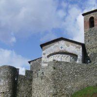 La Rocca di Ceserana , nel comune di Fosciandora