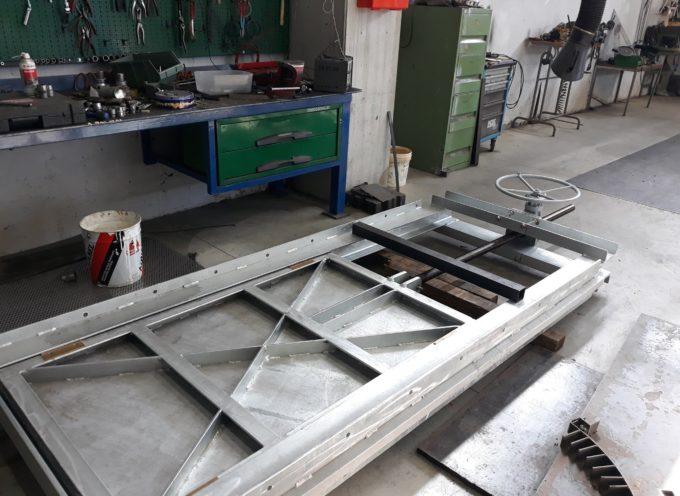Abbiamo appena finito di costruire nuove paratoie da installare sul Pubblico Condotto a Lucca