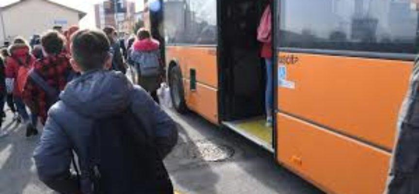 Questa mattina una ventina di studenti in partenza da Porcari con Vaibus sono rimasti a piedi.