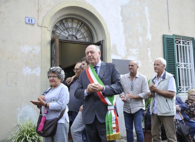 A cento anni dalla fondazione della colonia di Mutigliano, apposta una targa che ricorda il benefattore Nicolao Brancoli Busdraghi