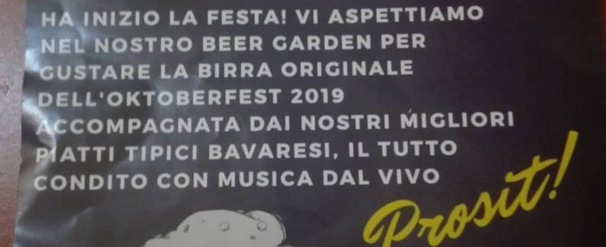 L'Oktober Fest alla Casa sul Fiume a Seravezza, con musica dal vivo.Un vero successo.