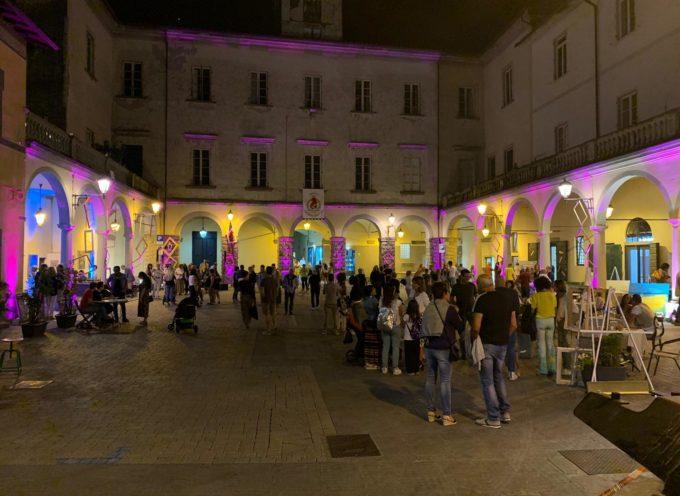 """Torna in piazza del Grano a Pescia """"Galleria Itinerante"""""""