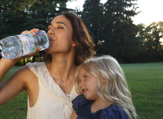 RPET: cos'è la plastica riciclata, come e quando si può utilizzare per le acque minerali
