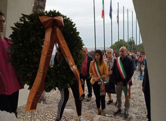 Il sindaco di Roma Raggi  rende omaggio ai martiri di Sant'Anna di Stazzema