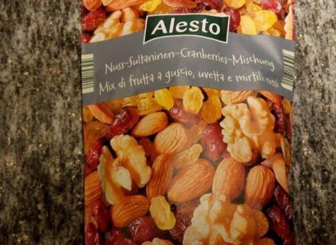 Germania: Salmonella nel mix di frutta a guscio per insalate Alesto. Lidl lo richiama dagli scaffali.