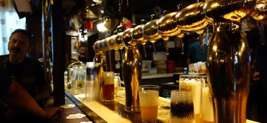 Apuantrek. Sabato 5 ottobre ore 20 Inaugurazione birra alle ghiande con cena delle Driadi alla Trattoria la Collina
